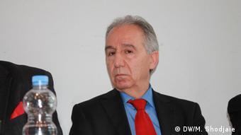 پرویز دستمالچی، فعال سیاسی