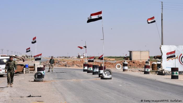 Syrien Rakka Provinz Checkpoint Syrische Armee