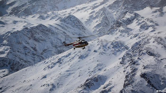 A helicopter joins the search for a downed airplane in Iran (Mehr)
