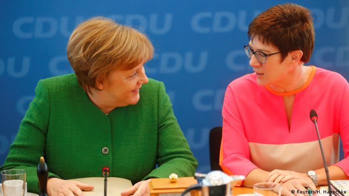 Deutschland CDU Merkel mit Kramp-Karrenbauer