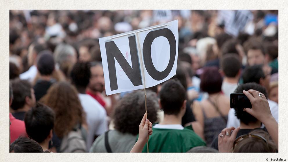Deutschkurse | Wortschatz | WBS_Foto_Protest