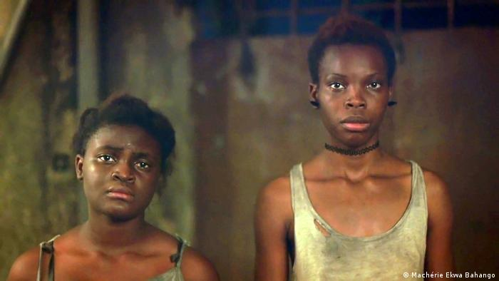 A still of the film Maki'La with two actresses in the role of street children