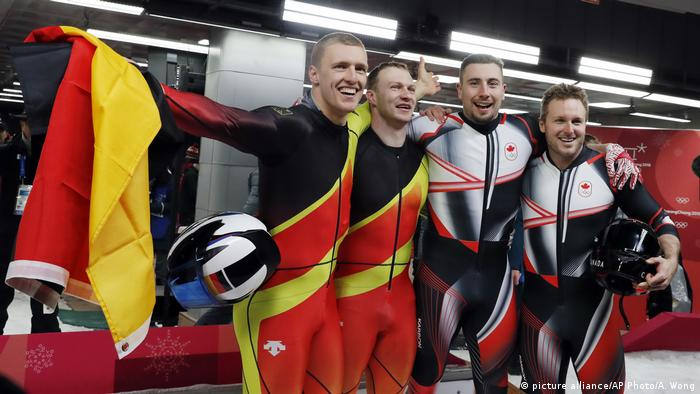 Olympia 2018 Pyeongchang Bobsled (picture alliance/AP Photo/A. Wong)