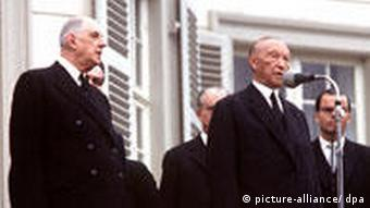 Charles de Gaulle mit Konrad Adenauer in Bonn