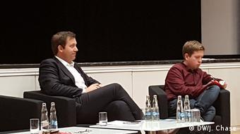 SPD Genel Sekreteri Klingbeil (solda) Kevin Kühnert ile birlikte