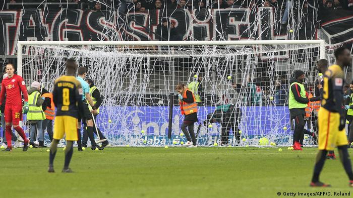 1. Bundesliga Eintracht Frankfurt vs RB Leipzig   Protest Montagsspiele