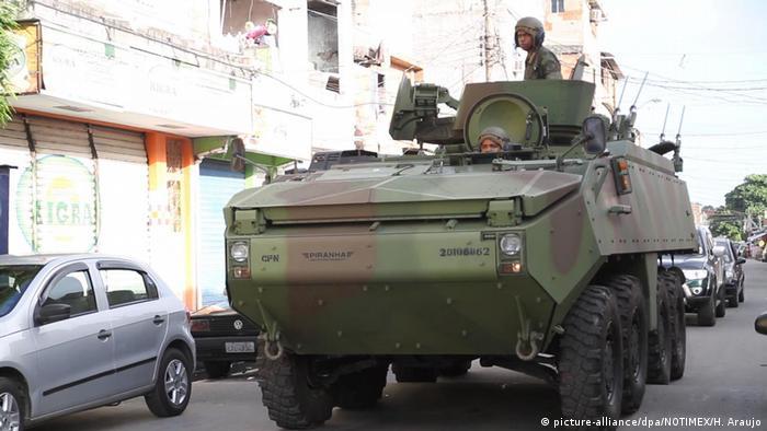 Brasilien Operation zwischen Armee und Polizei in Rio de Janeiro