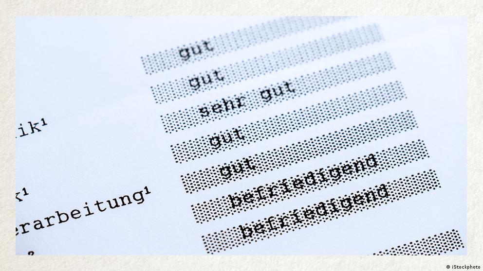 Deutschkurse | Wortschatz | WBS_Foto_Zeugnis