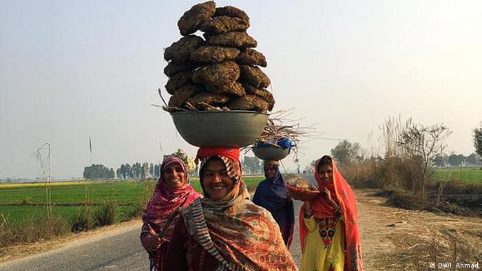 Pakistan Das Lben im Nowshera Virkan, Punjab (DW/I. Ahmad)