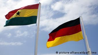 Staatsflaggen von Ghana und Deutschland