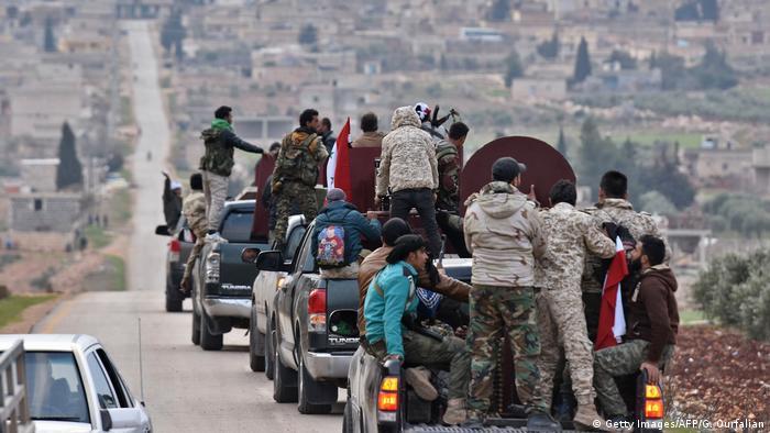 Milícias pró-Assad entram em Afrin