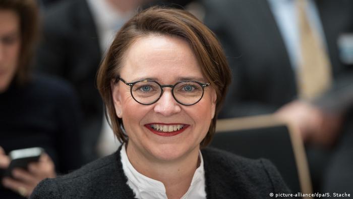 CDU-Vize sieht Kramp-Karrenbauer als mögliche Merkel-Nachfolgerin