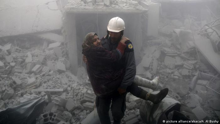Syrien Angriff auf Ost-Ghouta (picture alliance/abaca/A. Al Bushy)