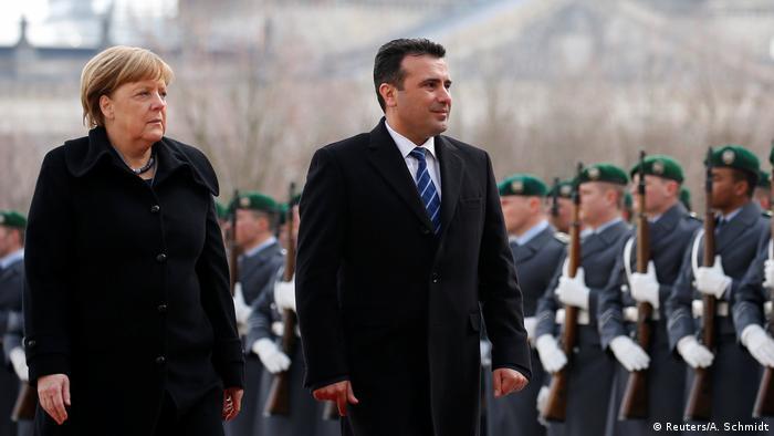 Berlin - Kanzlerin Merkel empfängt Mazedoniens Regierungschef Zaev