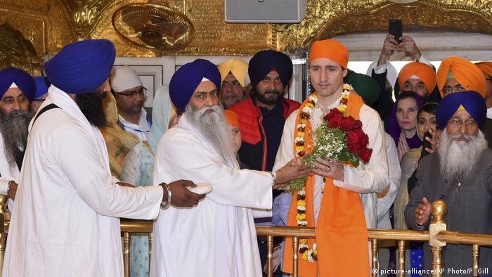 Indien Besuch von kanadischem Ministerpräsident Trudeau in Golden Tempel (picture-alliance/AP Photo/P. Gill)