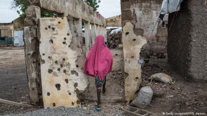 El Ejército de Nigeria rescató a parte de las niñas que desaparecieron tras el ataque del grupo yihadista Boko Haram el pasado lunes contra un instituto femenino de la ciudad de Dapchi. El ataque en Nigeria hizo temer un nuevo secuestro masivo como el de Chibok en 2014, informaron las autoridades. (22.02.2018).