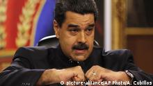 Venezuela - Nicolas Maduro bei PR in Caracas (picture-alliance/AP Photo/A. Cubillos)