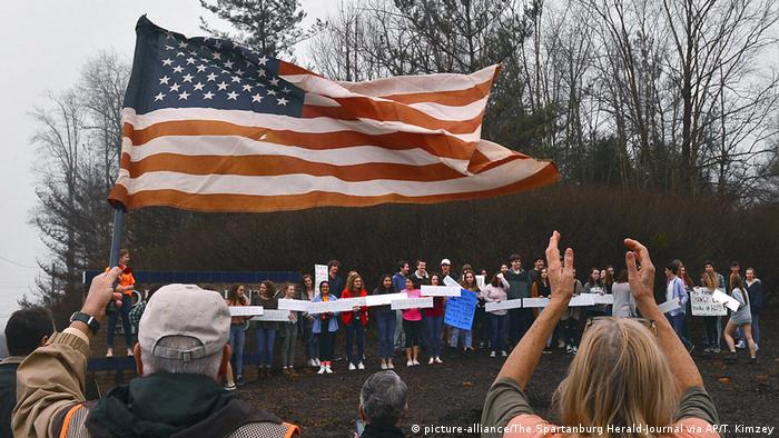 US students protesting gun control