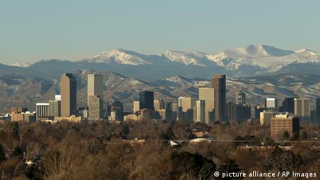 Ranking zamyka amerykańskie Denver - miasto w stanie Kolorado, które zmienia się z dnia na dzień, oferując turystom nowe, modne hotele, parki rozrywki i fantastyczne miejsca z jedzeniem z całego świata. Wśród atrakcji, których nie można przegapić w Denver, Lonely Planet wymienia m.in. Kirkland Museum of Fine & Decorative Art.