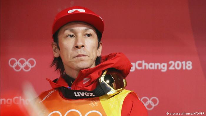 نوریاکی کازای هنوز هم در سن ۴۸ سالگی رسما به فعالیت ورزشی خود پایان نداده است، گرچه از سال ۱۹۸۸ به این سو برای نخستین بار در زمستان امسال در کادر تیم پرش با اسکی ژاپن حضور نداشت. کازای در سال ۱۹۹۲ و در سن ۲۰ سالگی قهرمان جهان شد و در سن ۴۲ سالگی در سال ۲۰۱۴ در سوچی مدال نقره المپیک را به گردن آویخت. او در مجموع دارای هشت مدال المپیک است.