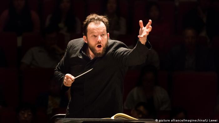 Andris Nelsons in China, 2017 (picture alliance/Imaginechina/Li Lewei)