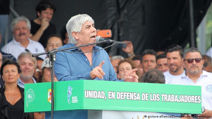Gewerkschaften protestieren in Argentinien - Gewerkschaftsführer Hugo Moyano (picture-alliance/Zumapress/C. Santisteban)