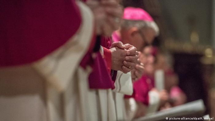 Episkopat Niemiec zlecił przygotowanie raportu o molestowaniu seksualnym