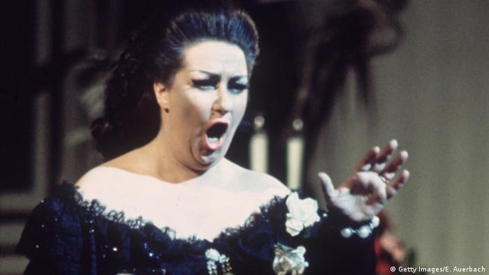 Η Μονσερά Καμπαγιέ ξεχώρισε από πολύ νωρίς στον κόσμο της όπερας για τις μοναδικές φωνητικές της ικανότητες. Το ρεπορτόριο της ήταν τεράστιο, η σταδιοδρομία της μοναδική. Πέθανε στις 6 Οκτωβρίου 2018 σε ηλικία 85 ετών. Μέχρι πρόσφατα έδινε παραστάσεις.