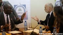 Haitis Minister für externe Zusammenarbeit, Aviol Fleurant, (links) mit Oxfams Regionaldirektor Simon Ticehurst