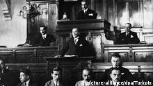 Mustafa Kemal Ataturk, founder of the Turkish Republic, speaking at the house of Parliament in Ankara. (Undated). Foto: Turkpix +++(c) dpa - Report+++ |