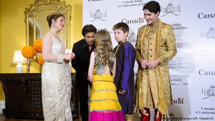 Canadian PM Trudeau and family meeting Indian movie star Shah Rukh Khan