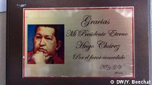 Titel: Stadtviertel 23 de Enero in Caracas Beschreibung: Im Stadtviertel 23 de Enero, Caracas, konzentriert sich immer noch eine große Anzahl von Chávez-Bewunderern. Auf vielen Fassaden und Mauern sieht man Bilder oder Sprüche von ihm SW: Venezuela, Caracas, 23 de Enero, Hugo Chávez, Chavismus Datum: November 2017 Ort: Caracas, Venezuela Copyright: Yan Boechat/DW