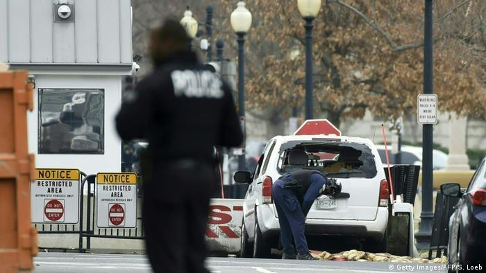USA Washington Auto durchbricht Absperrung (Getty Images/AFP/S. Loeb)
