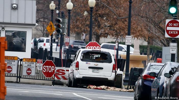 USA Washington Auto durchbricht Absperrung (Reuters/J. Bourg)