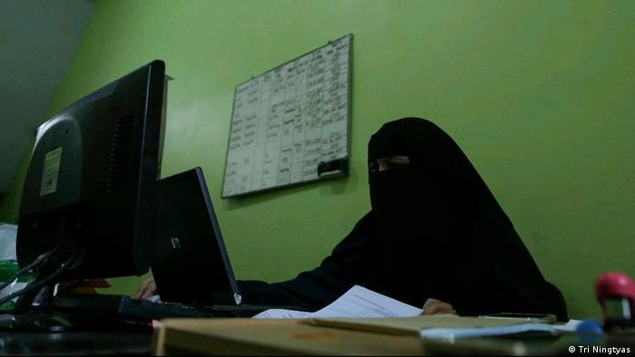 Indonesien Jakarta - Niqab Squad in Indonesien (Tri Ningtyas )