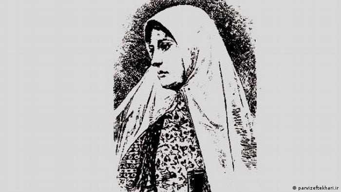 آغاز جنبش زنان ایران متأثر از جنبشهای نوین اجتماعی، سیاسی و مذهبی عصر خود بود. فاطمه زرینتاج برغانی قزوینی مشهور به طاهره قرةالعین شاعر و عالم مذهبی و از نخستین پیروان آیین باب بود که در سال ۱۲۳۱ در تهران اعدام شد. او حجاب را باعث نادانی و نماد سرکوب زنان میدانست. روایت شده که او با کنار زدن روبندهاش باعث غوغا در میان پیروان باب شد. او را نخستین زنی میدانند که به حجاب اعتراض کرد.