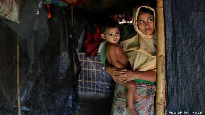 Rehana Khatun Rohingy Rohingya Frau mit Kind