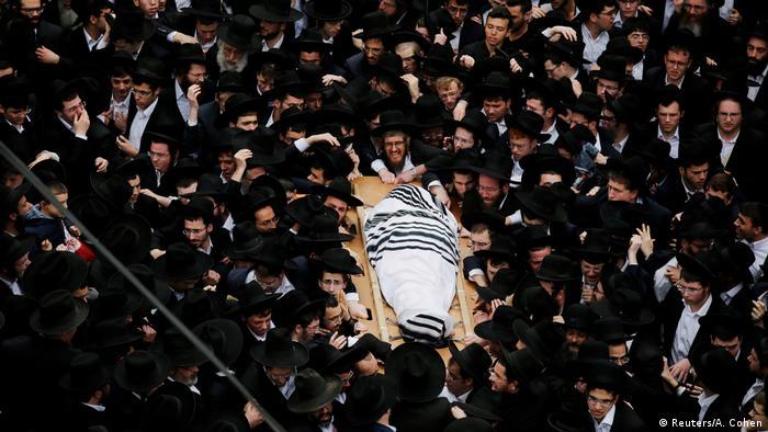 Israel: Rabbi Shmuel Auerbach's funeral in Jerusalem