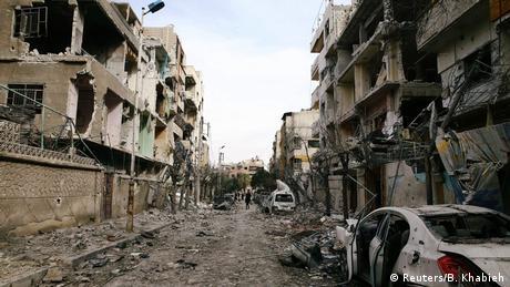 Damaged buildings in Douma, eastern Ghouta (Reuters/B. Khabieh)