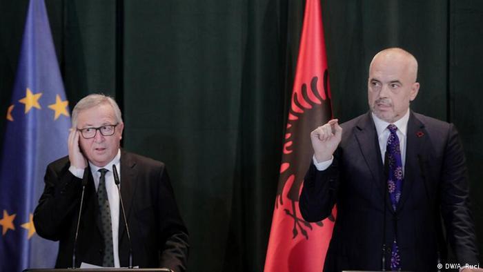 Albanien Jean-Claude Juncker in Tirana (DW/A. Ruci)