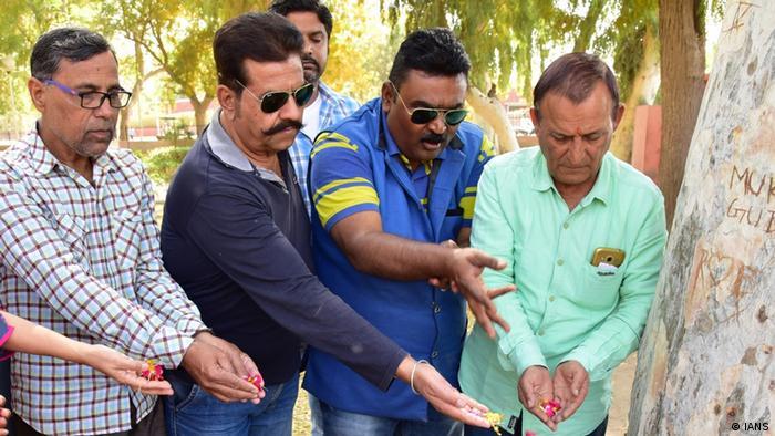 مردم هند برای درگذشت سریدیوی کاپور، ستاره سینمای بالیوود سوگواری میکنند