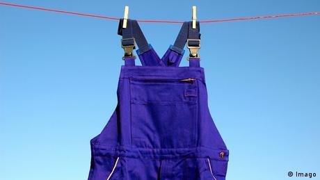Purple overalls (Imago)
