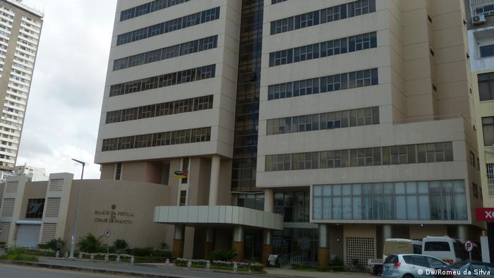 Chinesische öffentliche Arbeiten in Maputo (DW/Romeu da Silva)