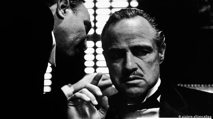 Black and white still from The Godfather (picture alliance/kpa)