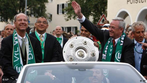 Nakon utakmice igrači i stručni tim Wolfsburga prošetao se gradom u kabrioletima