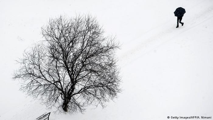 DW eco@africa - Snow in Pristina, Kosovo (Getty Images/AFP/A. Nimani)