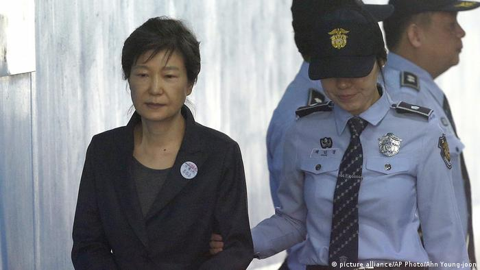 Die ehemalige Präsidentin Park Geun Hye (picture alliance/AP Photo/Ahn Young-joon)