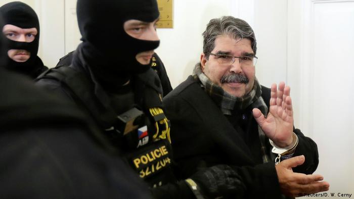 Salih Muslim im Gerichtsgebäude in Prag Tschechien (Foto: Reuters/D. W. Cerny)