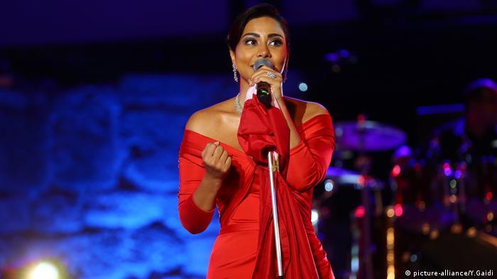 53. Internationales Karthago Festival, ägyptische Sängerin Sherine Abdel Wahab (picture-alliance/Y.Gaidi)