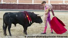 Manuel Escribano beim Stierkampf in der San Sebastian de Los Reyes Stierkampfarena. San Sebastián de los Reyes, 27.08.2017   Verwendung weltweit